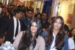 Sonam Kapoor and Rhea Kapoor launch a new clothing Brand Rheson on 12th May 2017 (26)_5916b4f853bbc.JPG