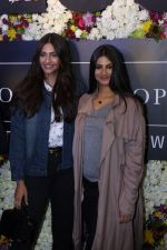 Sonam Kapoor and Rhea Kapoor launch a new clothing Brand Rheson on 12th May 2017 (30)_5916b4fb0a3c2.JPG