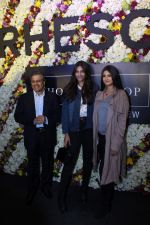 Sonam Kapoor and Rhea Kapoor launch a new clothing Brand Rheson on 12th May 2017 (32)_5916b5712f6d9.JPG