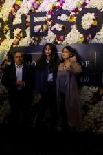 Sonam Kapoor and Rhea Kapoor launch a new clothing Brand Rheson on 12th May 2017 (35)_5916b5037eec7.JPG