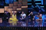 Mohit Suri, Baba Ramdev on the sets of Nach Baliye Season 8 on 16th May 2017 (50)_591c4314028db.JPG