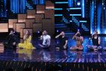 Mohit Suri, Baba Ramdev on the sets of Nach Baliye Season 8 on 16th May 2017 (51)_591c4328d8171.JPG