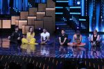 Terence Lewis, Baba Ramdev on the sets of Nach Baliye Season 8 on 16th May 2017 (42)_591c4bff843b5.JPG