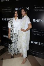 Sonam Kapoor, Rhea Kapoor at the Press Showcase Of Their High Street Brand Rheson on 17th May 2017 (12)_591d30a7968d2.JPG