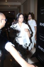 Sonam Kapoor, Rhea Kapoor at the Press Showcase Of Their High Street Brand Rheson on 17th May 2017 (2)_591d309b6bac4.JPG