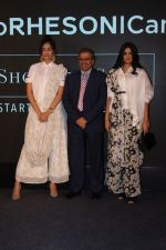 Sonam Kapoor, Rhea Kapoor at the Press Showcase Of Their High Street Brand Rheson on 17th May 2017 (28)_591d30af56887.JPG