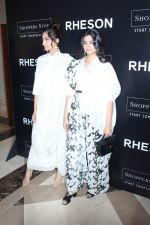 Sonam Kapoor, Rhea Kapoor at the Press Showcase Of Their High Street Brand Rheson on 17th May 2017 (3)_591d3142d4de3.JPG