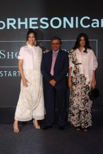 Sonam Kapoor, Rhea Kapoor at the Press Showcase Of Their High Street Brand Rheson on 17th May 2017 (30)_591d30b4e3209.JPG