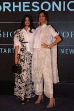 Sonam Kapoor, Rhea Kapoor at the Press Showcase Of Their High Street Brand Rheson on 17th May 2017 (33)_591d318d3f684.JPG