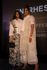 Sonam Kapoor, Rhea Kapoor at the Press Showcase Of Their High Street Brand Rheson on 17th May 2017 (46)_591d319ab843e.JPG