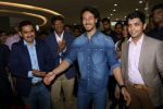 Tiger Shroff at the Launch Of Lifestyle New Store on 18th May 2017 (15)_591e89702efd5.JPG
