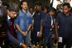 Tiger Shroff at the Launch Of Lifestyle New Store on 18th May 2017 (20)_591e897e65862.JPG