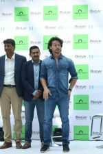 Tiger Shroff at the Launch Of Lifestyle New Store on 18th May 2017 (45)_591e89be55e70.JPG