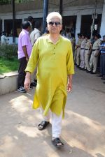 at the funeral of Reema Lagoo on 18th May 2017 (176)_591e85ee531fc.JPG