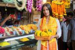 Poonam Pandey Visit Siddhivinayak Temple For Blessings on 19th May 2017 (11)_591fdb6d23962.JPG