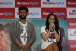 Shraddha Kapoor, Arjun Kapoor Promotes Half Girlfriend at Reliance Digital Store on 20th May 2017 (22)_5921244c01be5.JPG