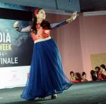 Sharbani Mukherjee at the 4th edition of India Dance Week hosted by Sandip Soparrkar (14)_5922cb1a5c62c.jpg
