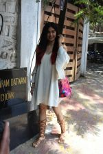 Adah Sharma Spotted At Korner House (5)_59267515192ac.JPG