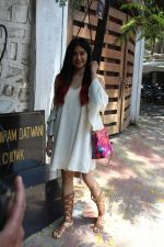 Adah Sharma Spotted At Korner House (6)_592675176dd4b.JPG