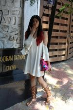 Adah Sharma Spotted At Korner House (7)_59267519bc29f.JPG