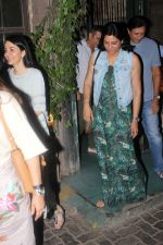 Priya Dutt Spotted At Pali Village on 24th May 2017 (12)_5926a267d4092.JPG