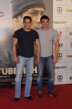 Salman Khan, Sohail Khan at the Trailer Launch Of Film Tubelight on 25th May 2017 (101)_5927f8e52f222.JPG