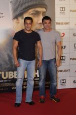 Salman Khan, Sohail Khan at the Trailer Launch Of Film Tubelight on 25th May 2017 (201)_5927f8eb0b80d.JPG