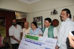 Anup Jalota at Hand Over Donation Cheque To Federation Of Cine Employees By Veteran Music Director Khayyam Ji on 27th May 2017 (3)_5929838b8c308.JPG