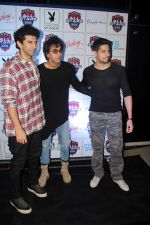 Aditya Roy Kapoor, Ranbir Kapoor, Sidharth Malhotra at The Celebrity Football Initiative Played For Humanity on 28th May 2017 (11)_592bb74701574.JPG