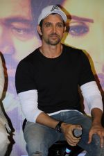 Hrithik Roshan at the Trailer Launch Of Marathi Film Hrudayantar on 28th May 2017 (39)_592bba6578396.JPG
