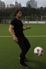 Tiger Shroff at the Launch Of The Second Edition Of Super Soccer Tournament on 28th May 2017 (1)_592bca4f3d01e.JPG
