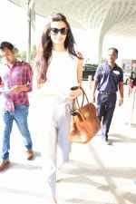 Diana Penty Spotted At Airport on 30th May 2017 (2)_592e603948795.JPG