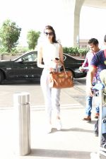 Diana Penty Spotted At Airport on 30th May 2017 (4)_592e60269ba06.JPG