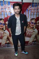 Himansh Kohli at the Promotional Interview for Film Sweetiee Weds NRI on Ist June 2017 (122)_593020a665c3b.JPG