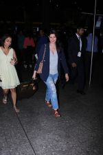 Twinkle Khanna Spotted At International Airport on 2nd June 2017 (2)_5932b6168061c.JPG