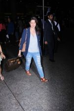 Twinkle Khanna Spotted At International Airport on 2nd June 2017 (4)_5932b617cc7e3.JPG