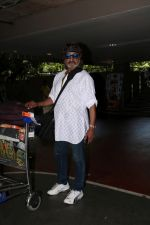 Shakti Kapoor Spotted At International Airport on 4th June 2017 (4)_5934d0cc85de9.JPG