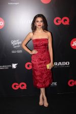Surveen Chawla at Star Studded Red Carpet For GQ Best Dressed 2017 on 4th June 2017 (201)_5934d182c71a6.JPG