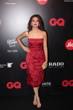 Surveen Chawla at Star Studded Red Carpet For GQ Best Dressed 2017 on 4th June 2017 (202)_5934d187e235c.JPG