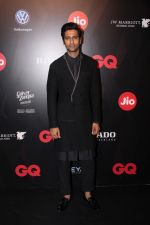 Vicky Kaushal at Star Studded Red Carpet For GQ Best Dressed 2017 on 4th June 2017 (152)_5934d238bcfed.JPG