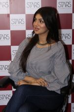 Ayesha Takia at the Grand Opening Of Stars Cosmetics Brand Store & Academy on 5th June 2017 (22)_59366c850b871.JPG