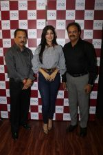 Ayesha Takia at the Grand Opening Of Stars Cosmetics Brand Store & Academy on 5th June 2017 (24)_59366c8ba283e.JPG