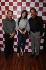 Ayesha Takia at the Grand Opening Of Stars Cosmetics Brand Store & Academy on 5th June 2017 (26)_59366c91dfd96.JPG