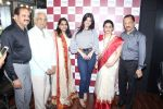 Ayesha Takia at the Grand Opening Of Stars Cosmetics Brand Store & Academy on 5th June 2017 (40)_59366ccc826c2.JPG