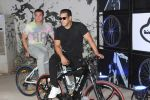 Salman Khan, Sohail Khan at the Launch Of Being Human Electric Cycles on 5th June 2017 (9)_5936491fc1e53.JPG