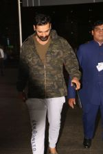 John Abraham Spotted At International Airport on 9th June 2017 (2)_593aace4c7419.JPG