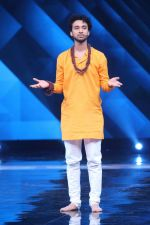 Raghav Juyal On Location Shoot Of Dance Plus on 9th June 2017 (47)_593b9a26c28d5.JPG