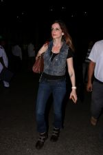 Sussanne Khan at the International Airport on 13th June 2017 (2)_5940168a9a6e2.JPG