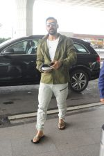 John Abraham at the Airport on 14th June 2017 (2)_59411007aff09.JPG