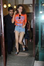 Kangana Ranaut spotted at bblunt salon on 13th June 2017 (3)_5940a4ce7ad67.JPG